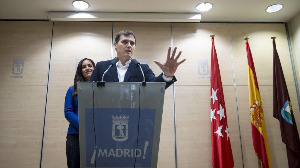 Foto: Albert Rivera durante una rueda de prensa en el Ayuntamiento de Madrid. (EFE)