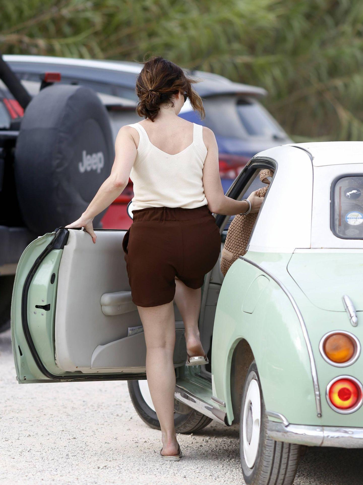 El coche en el que se mueve Isabel Díaz Ayuso en Ibiza. (CP)