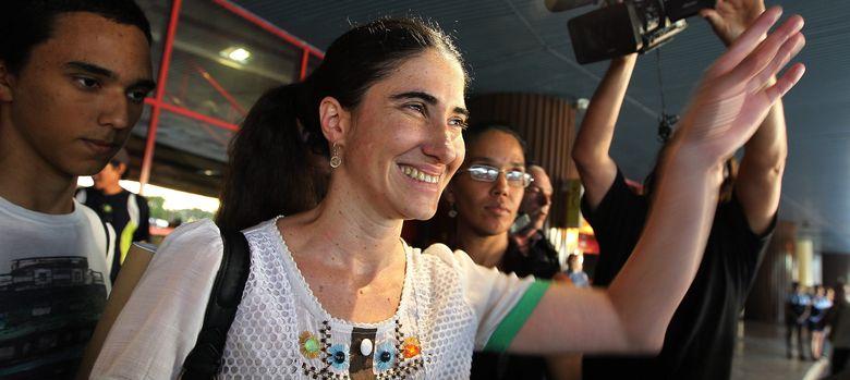 Foto: Yoani Sánchez, la influyente opositoria cubana, en uno de sus recibimientos en La Habana. (EFE)