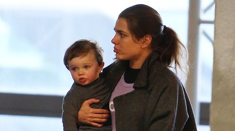 Carlota Casiraghi y su hijo Raphaël dejan Los Ángeles y ponen rumbo a Mónaco
