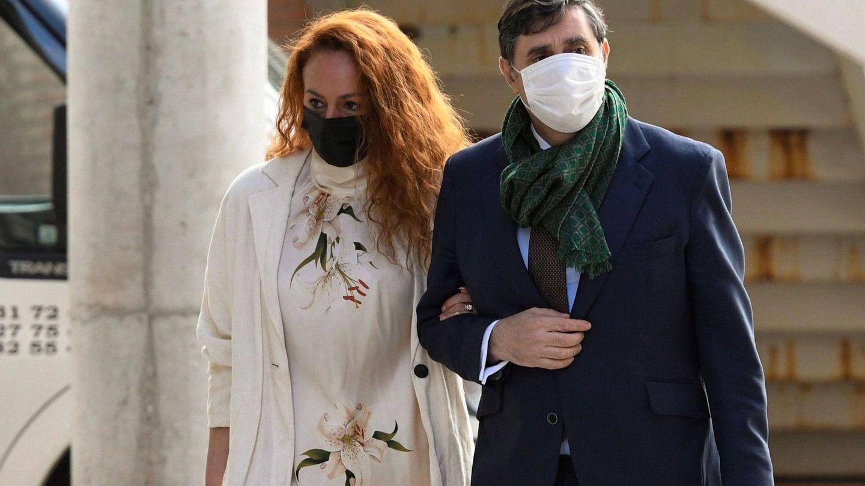 Rocío Carrasco, acompañada por su abogado, Javier Vasallo, el pasado 30 de abril en su último juicio con Antonio David. (EFE)