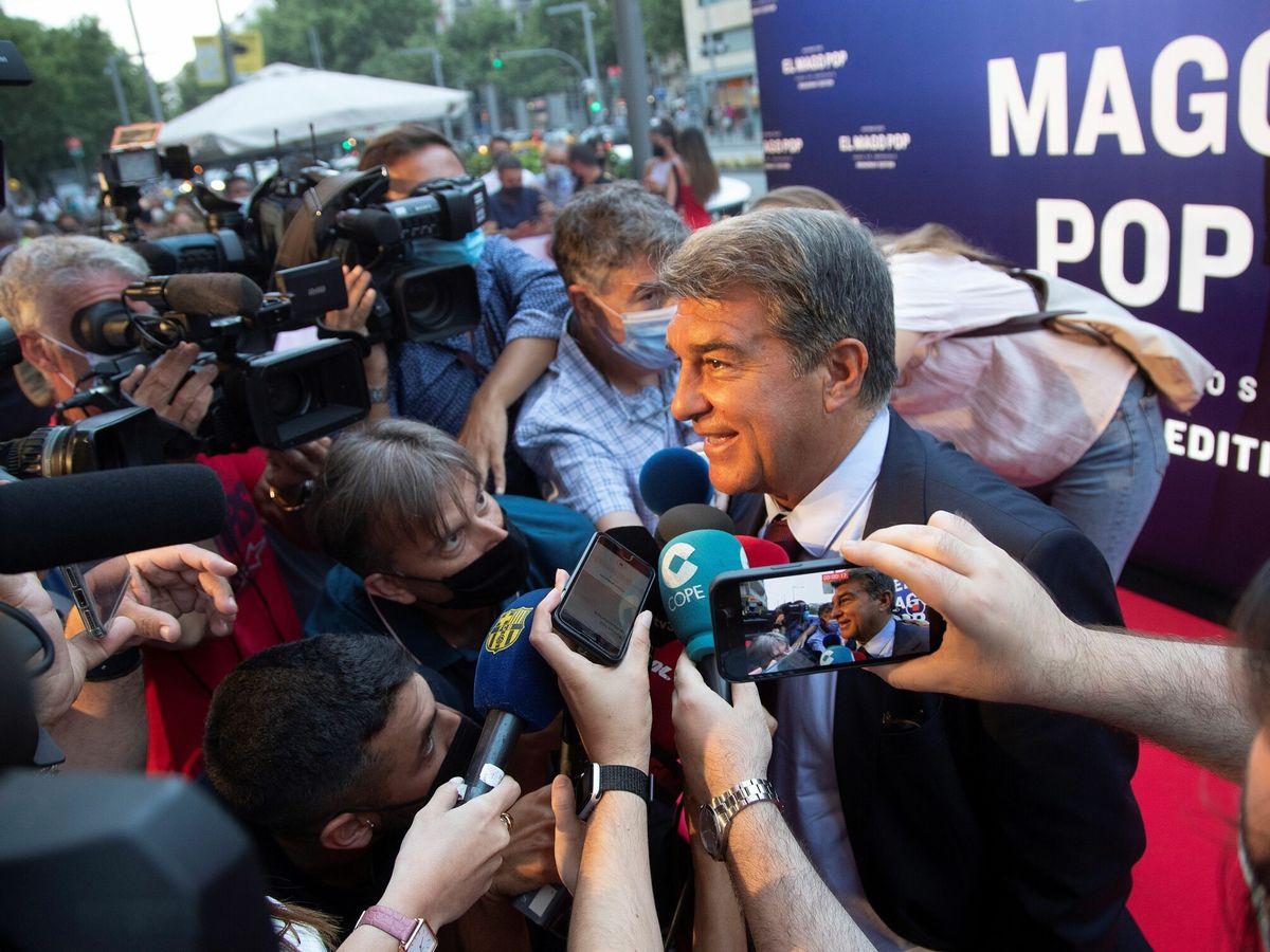 Foto: Joan Laporta tiene que hacer magia para sacar al Barcelona de su actual situación económica. (EFE)