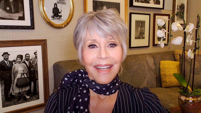Jane Fonda, participando en un acto benéfico desde su casa. (Getty)