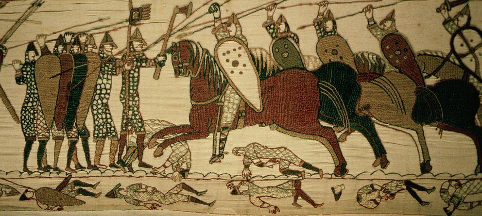 Foto: Detalle de la Batalla de Hastings reflejado para la historia en el famoso tapiz de Bayeux. (Nik Wheeler/Corbis)