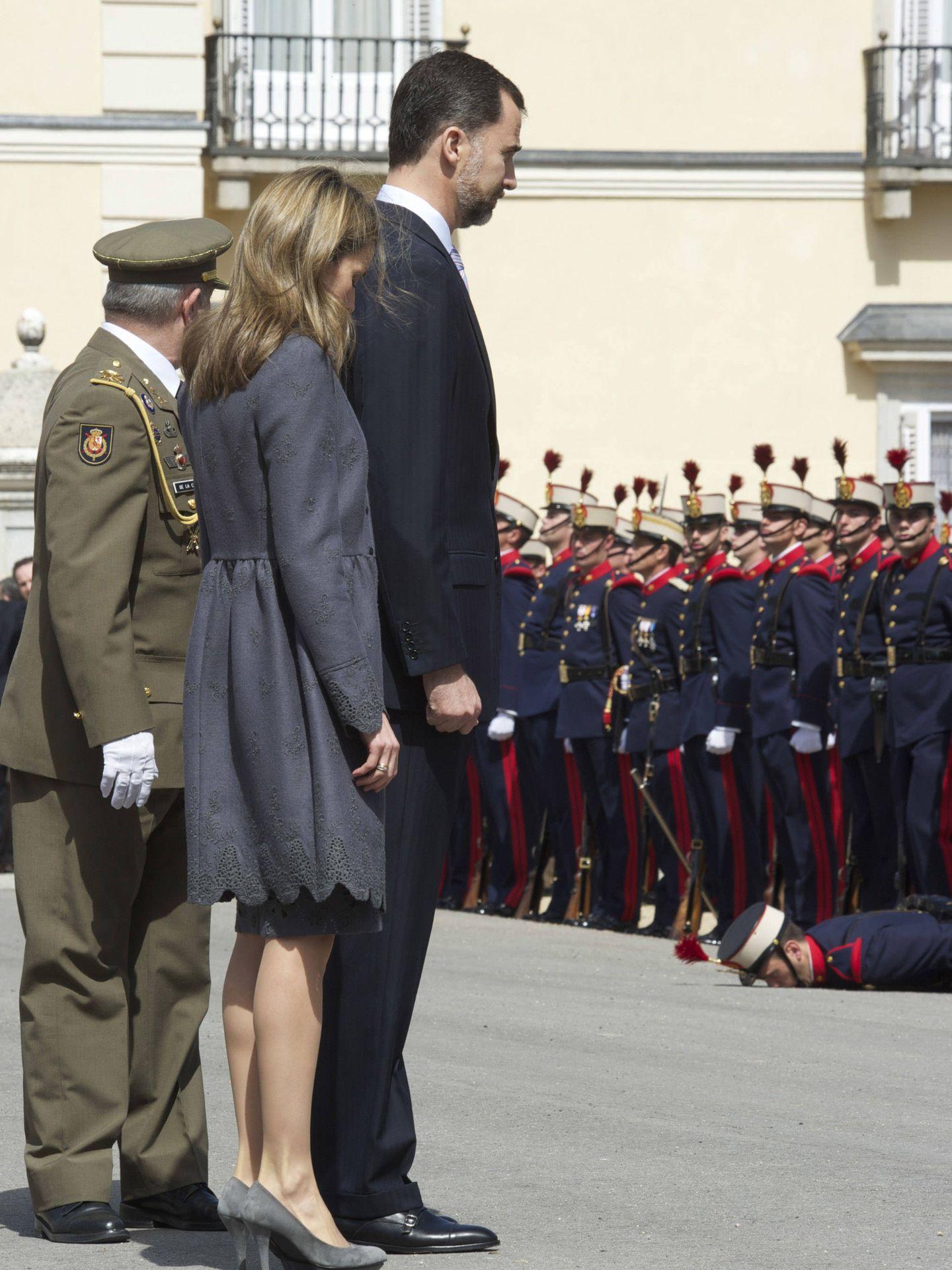 Desmayo durante la visita de Carlos y Camilla. (Getty)