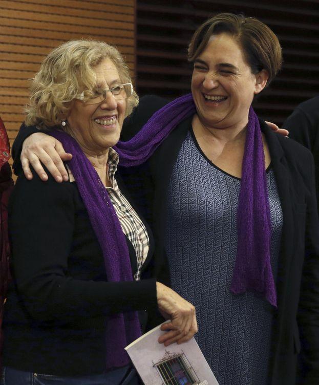 Foto: Manuela Carmena y Ada Colau. (EFE)