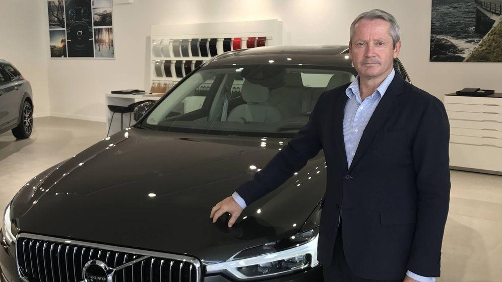 Foto: José María Galofré, consejero delegado de Volvo Cars España, junto al Volvo XC60.