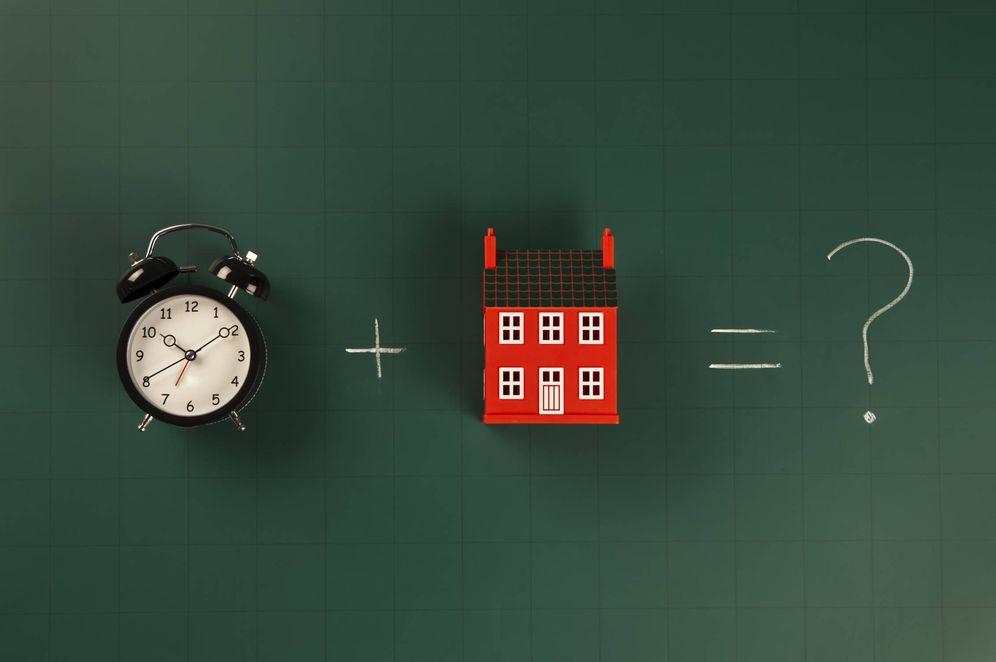 Foto: La venta de coches se resiente y lanza una advertencia al mercado de la vivienda. (iStock)