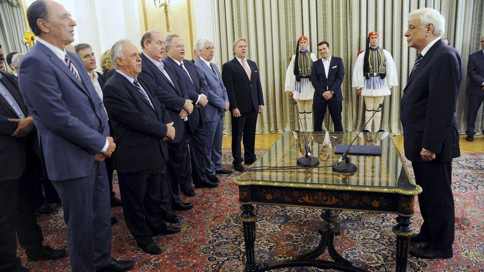 Tsipras recicla a los mismos 'cerebros' que llevaron a Grecia al tercer rescate