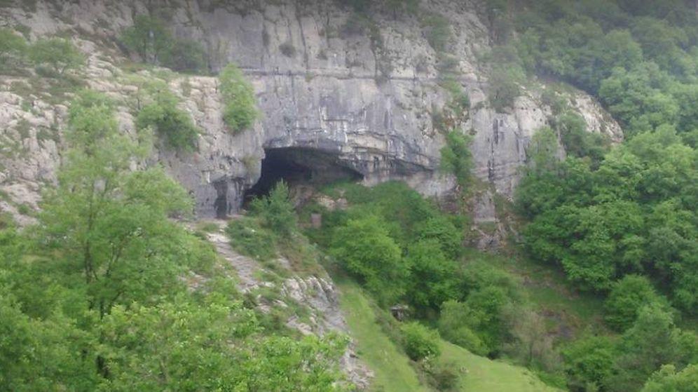 Foto: Imagen de la cueva de Galdames en la que se ha producido el suceso.