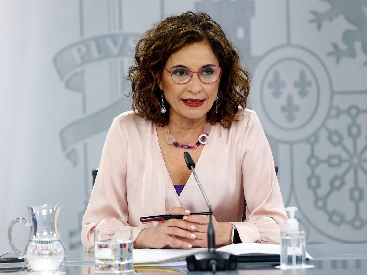 Foto: La portavoz del Gobierno y ministra de Hacienda, María Jesús Montero, durante una rueda de prensa.