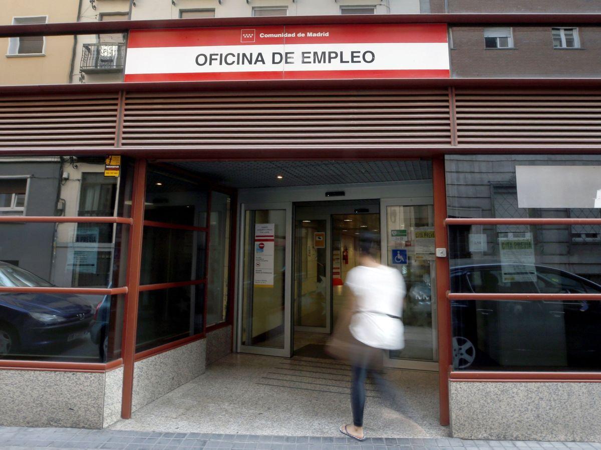 Foto: Exterior de una oficina de empleo en Madrid