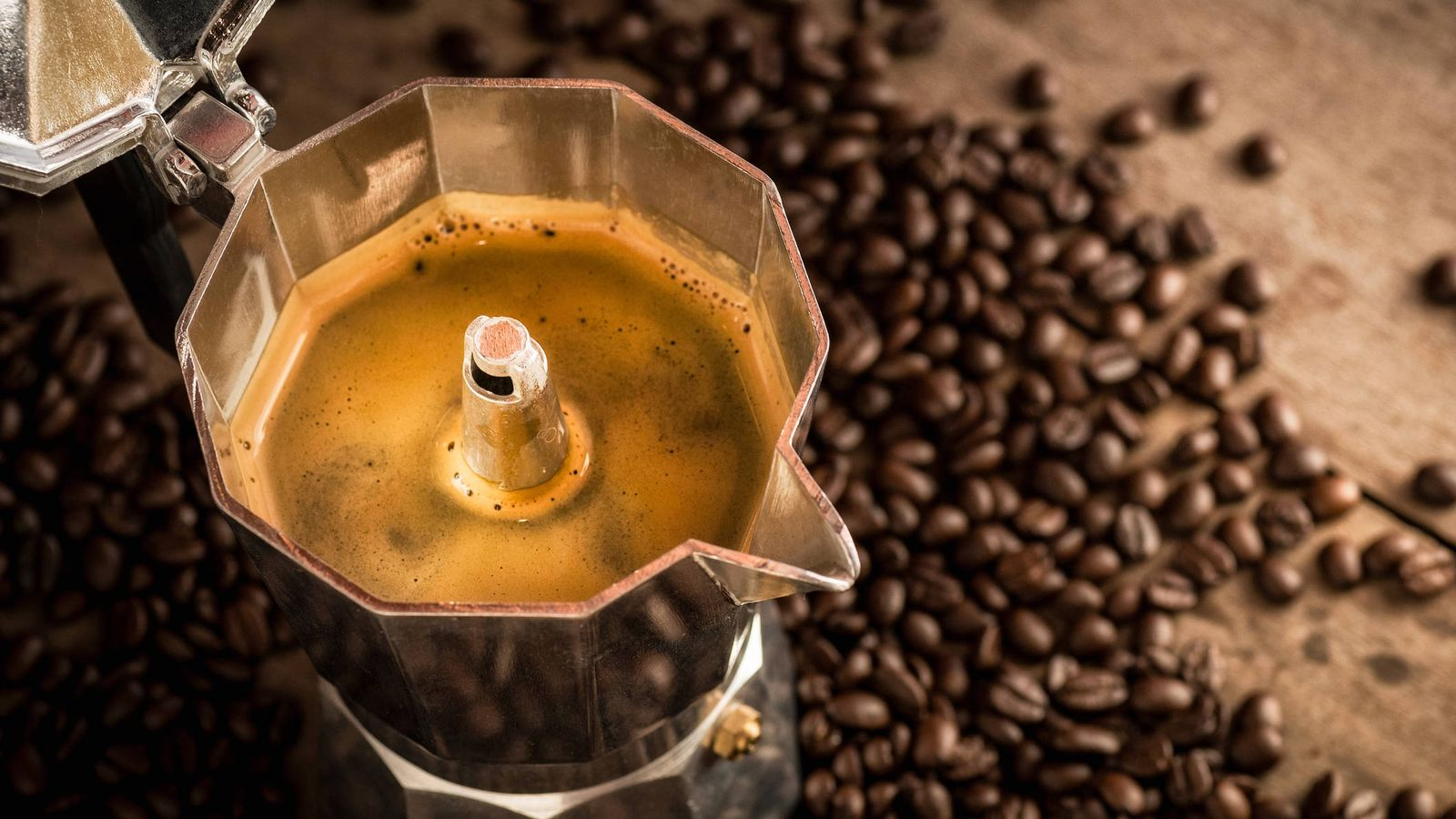 Alimentos: Cómo preparar bien el café con una cafetera de