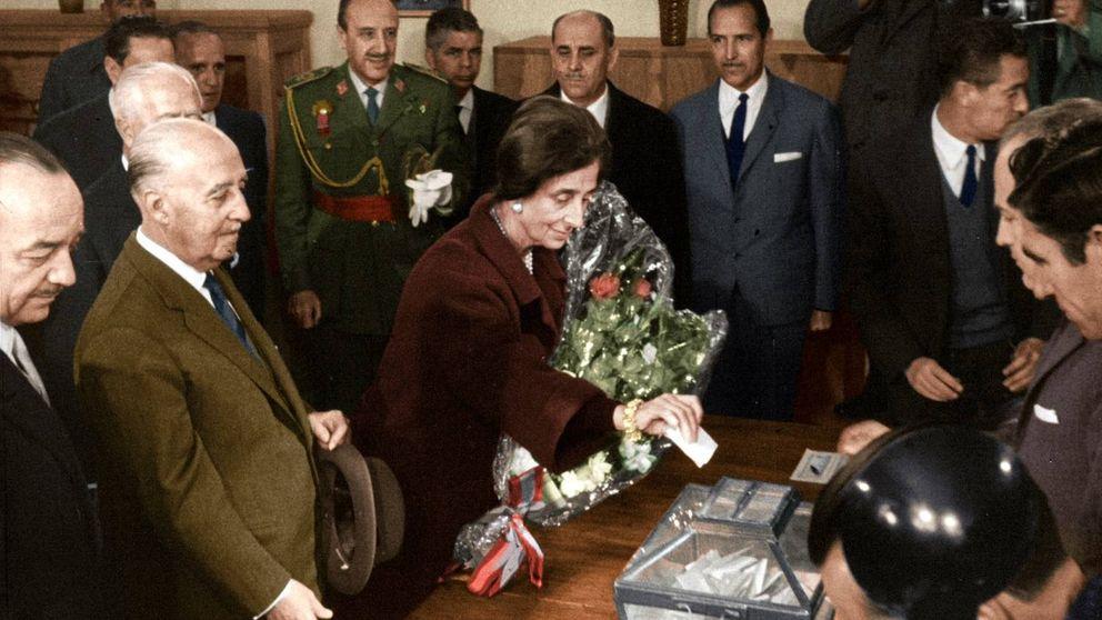 Primeras imágenes, en color, de los españoles votando en la dictadura
