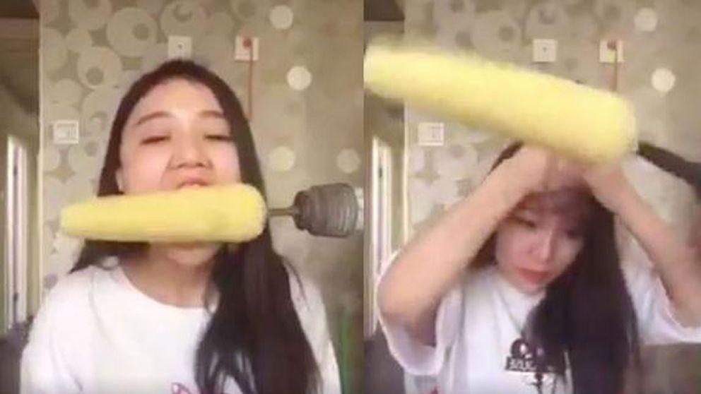 Una china se queda sin pelo al jugar con un taladro y una mazorca de maíz