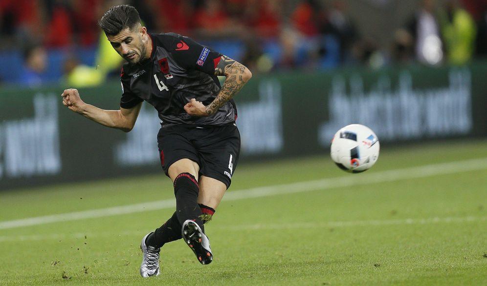 Foto: Elseid Hysaj durante un partido con la selección de Albania (Reuters)