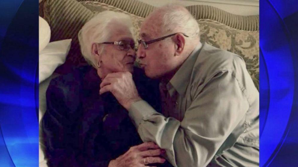 Foto: La pareja pasó su cumpleaños con las manos entrelazadas y se besó. (ABC News)