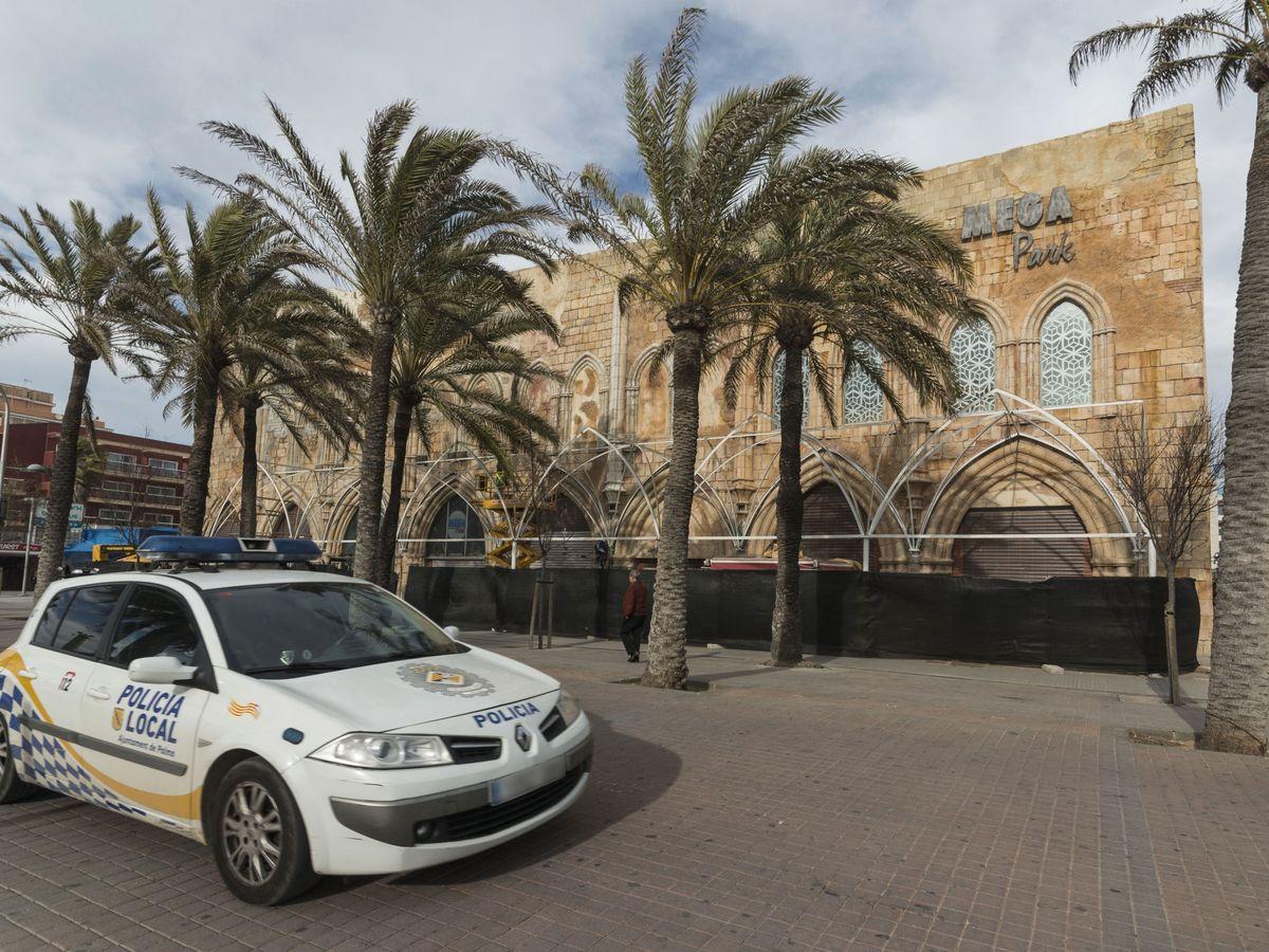 Foto: La policía local de Palma aisló a sus seis agentes por precaución (EFE/Cati Cladera)