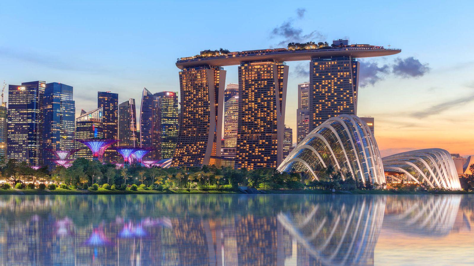 Foto: Singapur a punto de anochecer. (iStock)