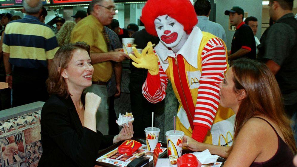 Foto: Ronald McDonald, el payaso encargado de felicitar a los premiados. (Reuters)