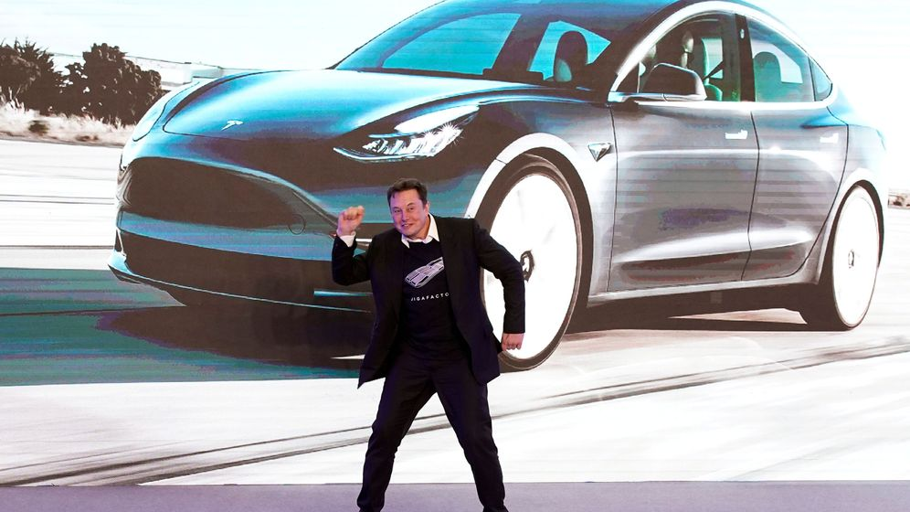 Foto: Elon Musk, Ceo de Tesla bailando en una presentación (Reuters)