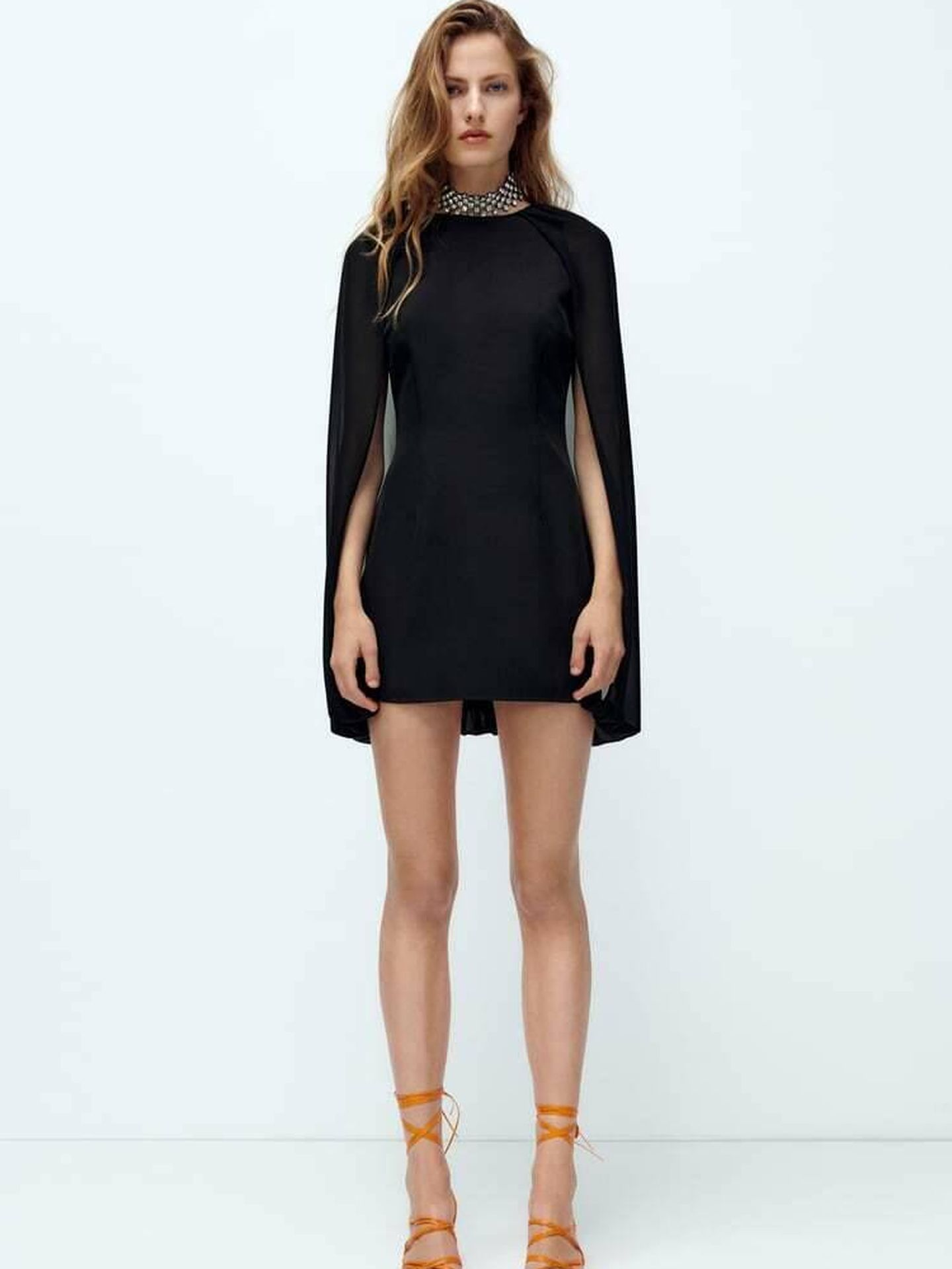 El vestido negro de Zara. (Cortesía)