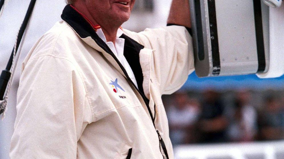 Foto: El rey Juan Carlos, navegando. (Cordon Press)