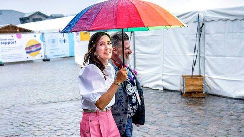 Mary de Dinamarca, musa del colectivo LGTB: su look y su paraguas arcoíris