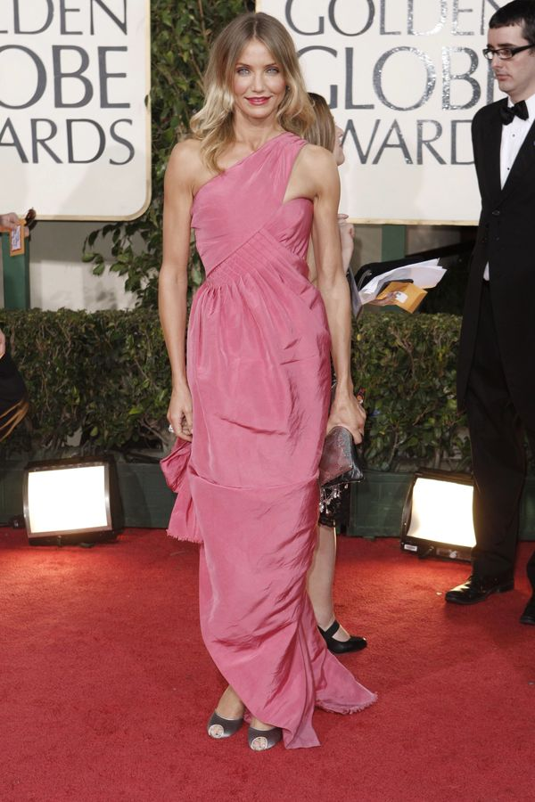 45 vestidos que resumen el estilo de Chanel en el 45 aniversario de ...