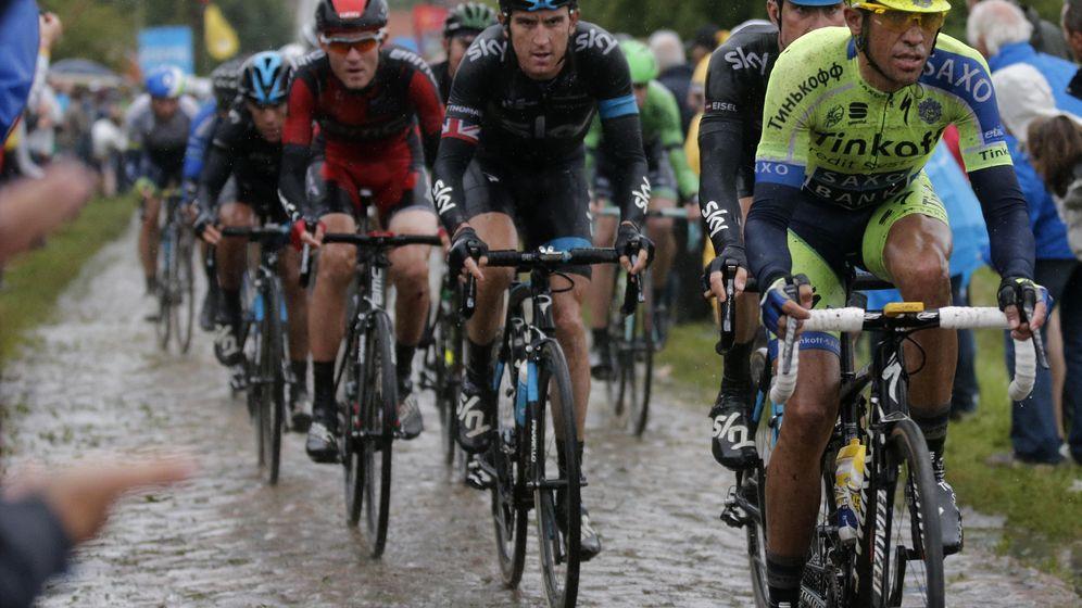 Foto: Contador perdió mucho tiempo en el pavé hace un año (Reuters)