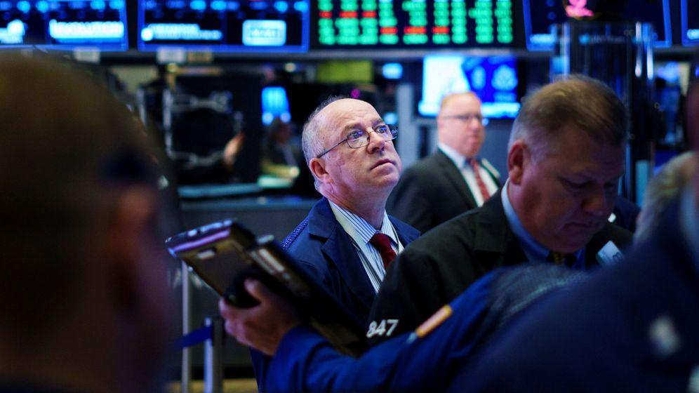 Foto: Agentes de bolsa trabajan en la Bolsa de Nueva York. (EFE)