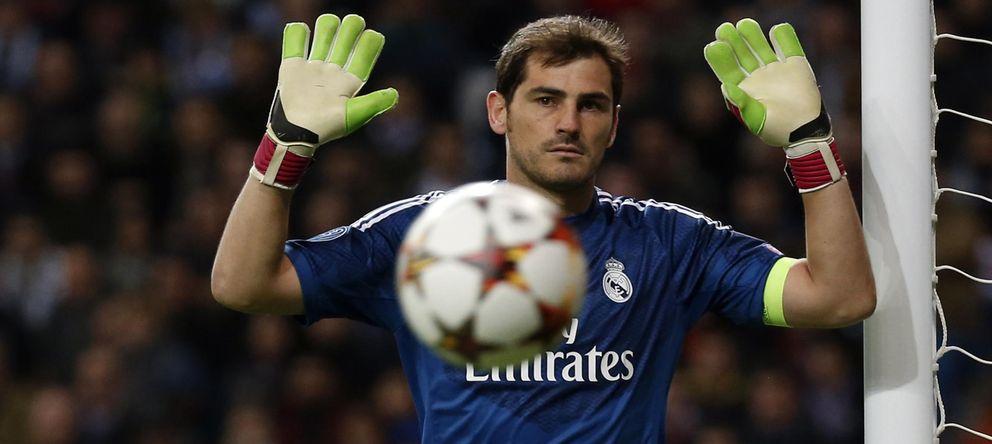 Foto: Iker Casillas durante un partido de Champions (Reuters).