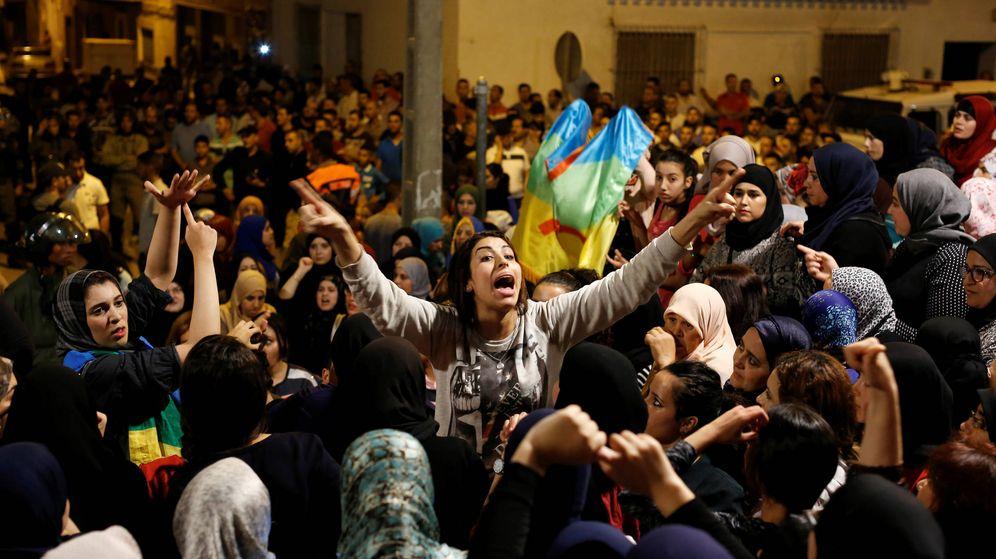 Foto: Manifestantes durante una protesta en Alhucemas, el 3 de junio de 2017. (Reuters)