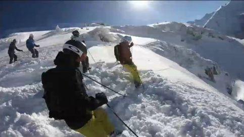Esquiadores sorprendidos por una gran avalancha de nieve en los Alpes austriacos