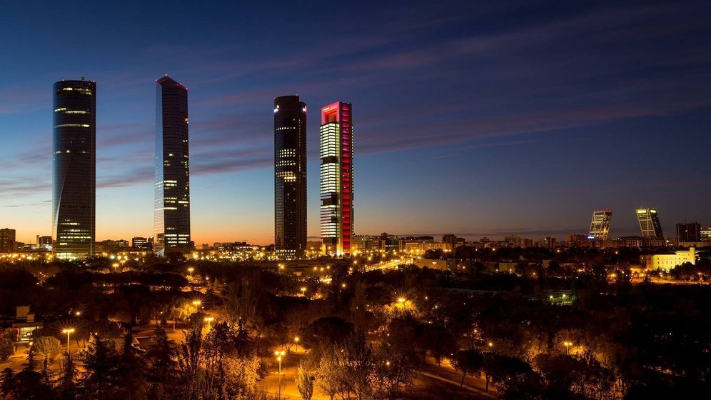 Foto: Torrespacio, el rascacielo situado a la izquierda. (Pixabay)