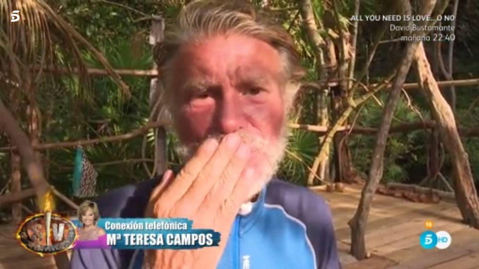 Foto: Edmundo se rompe tras escuchar la declaración de amor de Teresa Campos en 'Supervivientes'. (Mediaset España)