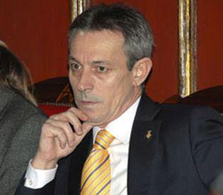 Foto: Vic aprueba el veto a los inmigrantes irregulares con el apoyo de ERC, CiU y PSC