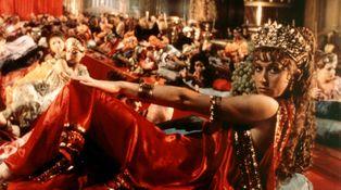 La mejor bacanal para maduritos obsesionados con la Roma clásica