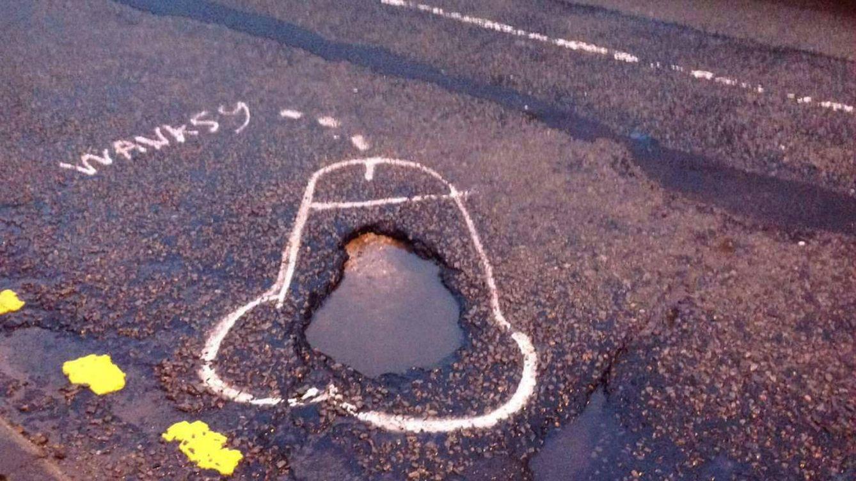 Así, sí: cómo conseguir que arreglen los baches de tu calle en 48 horas