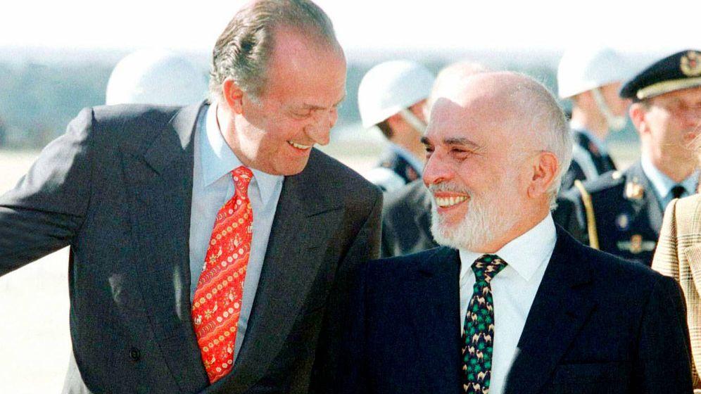 Foto: El rey Juan Carlos y Hussein de Jordania. (Reuters)