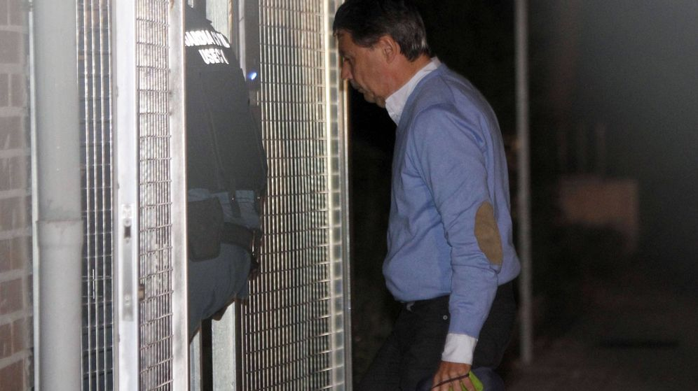 Foto: Ignacio González tras su detención por la operación Lezo. (EFE)