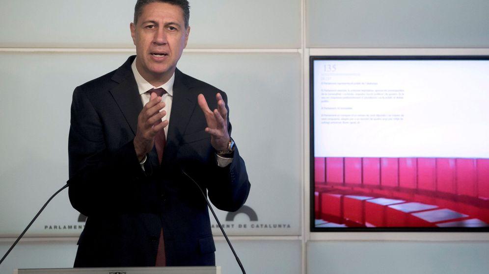 Foto: El líder del PPC, Xavier Garcia Albiol, durante la rueda de prensa que ha ofrecido en el Parlament. (EFE)