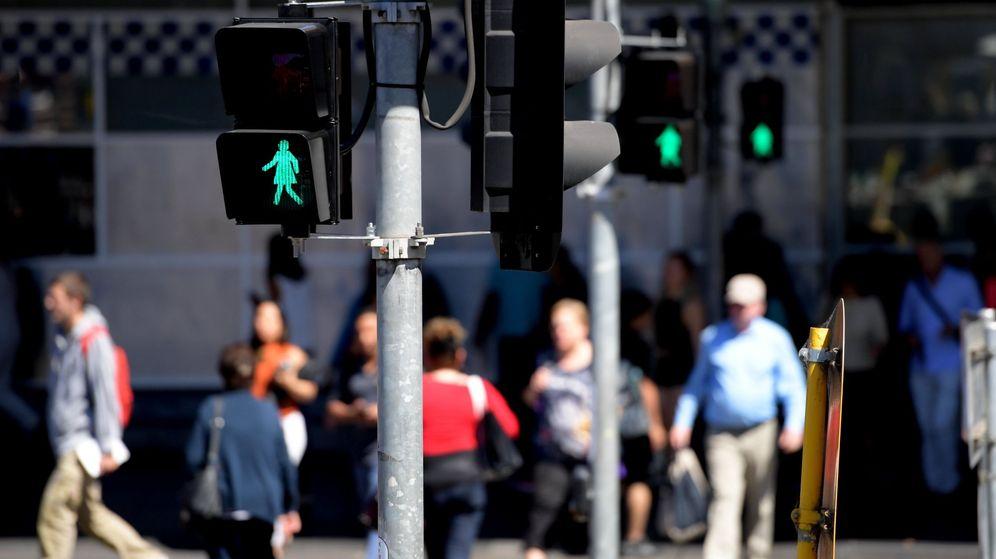 Foto: Foto de archivo de la iluminación de semáforos. (EFE)