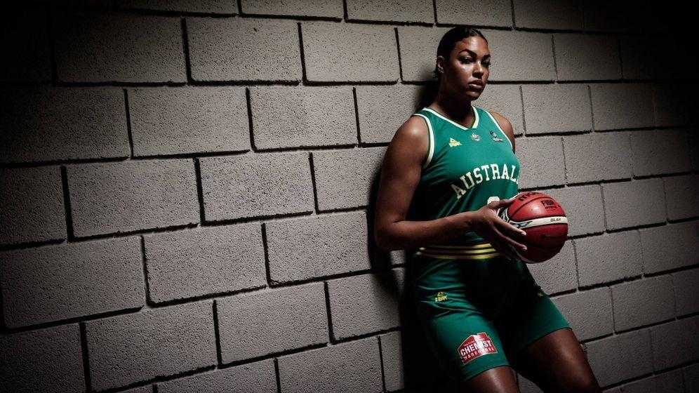 Foto: Liz Cambage es una de las grandes estrellas de la Copa del Mundo de Tenerife. (FIBA)