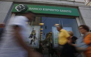 Moody's coloca en revisión la nota de Espirito Santo por su crisis