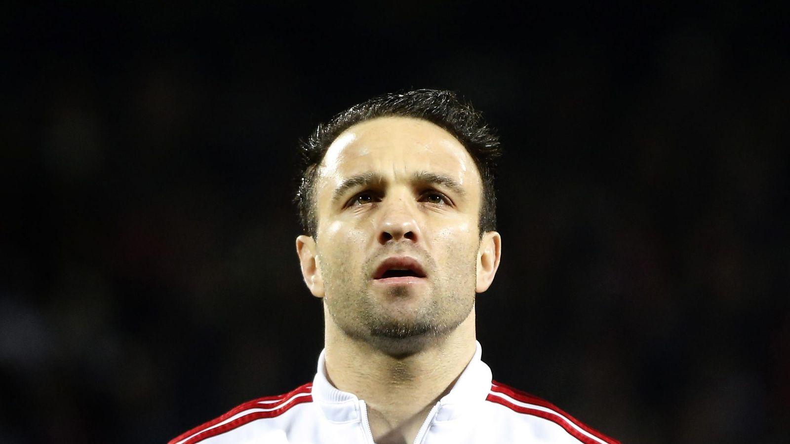 Foto: Mathieu Valbuena, durante un partido con el Olympique de Lyon (Efe).