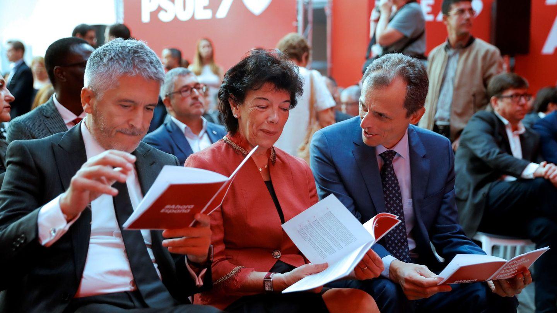 Fernando Grande-Marlaska, Isabel Celaá y Pedro Duque, el pasado 7 de octubre, en la presentación del adelanto del programa electoral del PSOE para el 10-N, en Madrid. (EFE)