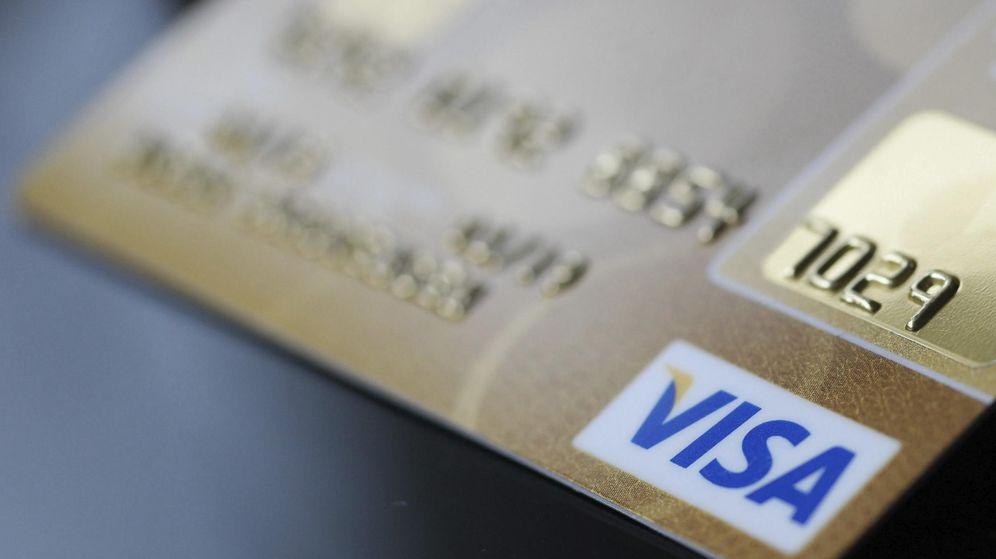 Foto: Detalle de una tarjeta Visa. (EFE)
