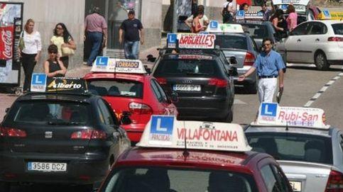 Nuevo revés para locales comerciales: las autoescuelas pueden ser solo 'online'