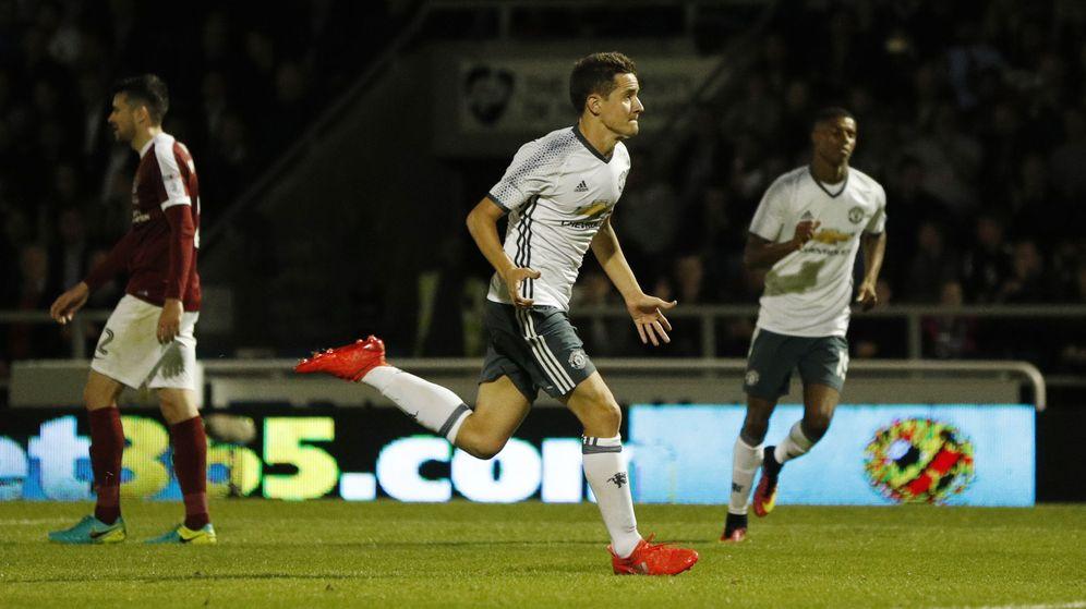 Foto: Ander Herrera se va ganando poco a poco la confianza de Mourinho (John Sibley/Reuters).